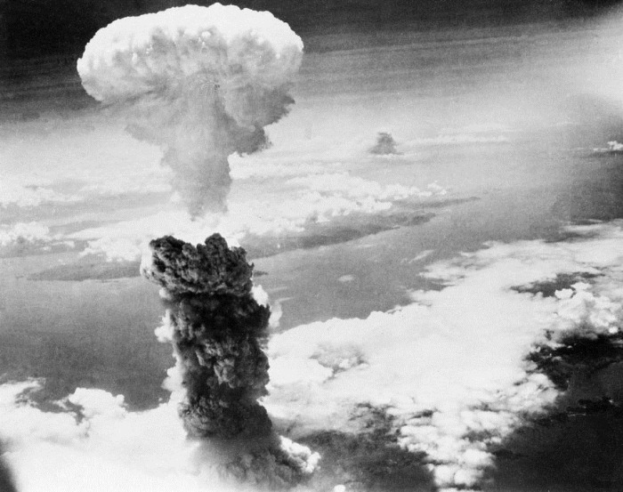 BLACK SAILORS NUKED IN ATOMIC BOMB TEST IN PORT CHICAGO!!